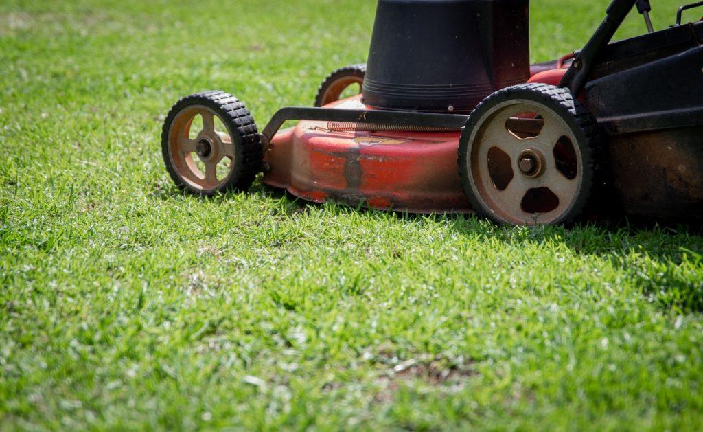 Automatic lawnmowers
