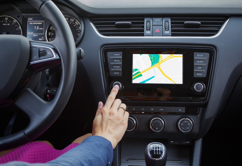 navigation system while driving